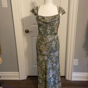 Pretty summer khaki floral dress. Size 8.